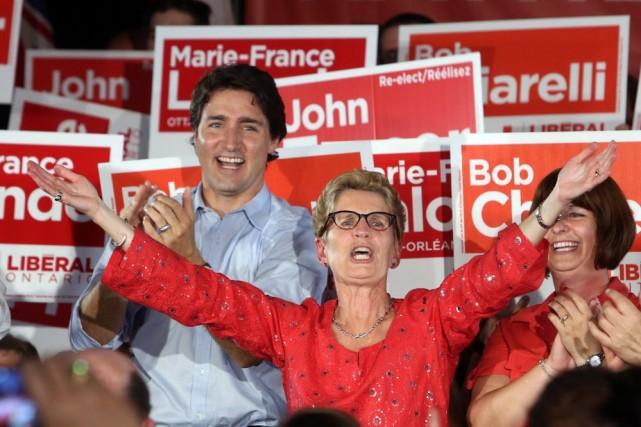 Cette victoire des libéraux en Ontario, au pouvoir... (PHOTO FRED CHARTRAND, LA PRESSE CANADIENNE)