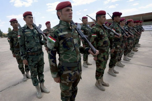 L'armée, dans un premier temps impuissante devant la... (PHOTO SAFIN HAMED, AFP)