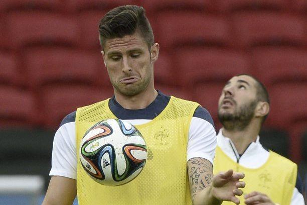 Olivier Giroud et Karim Benzema, fers de lance... (Photo AFP)