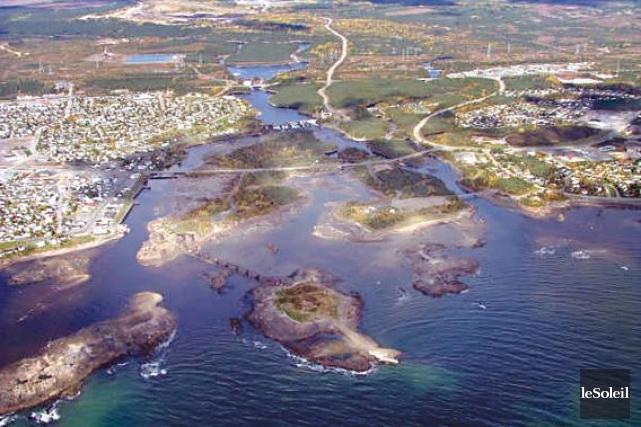 Vue aérienne de Port-Cartier.... (Photothèque Le Soleil)
