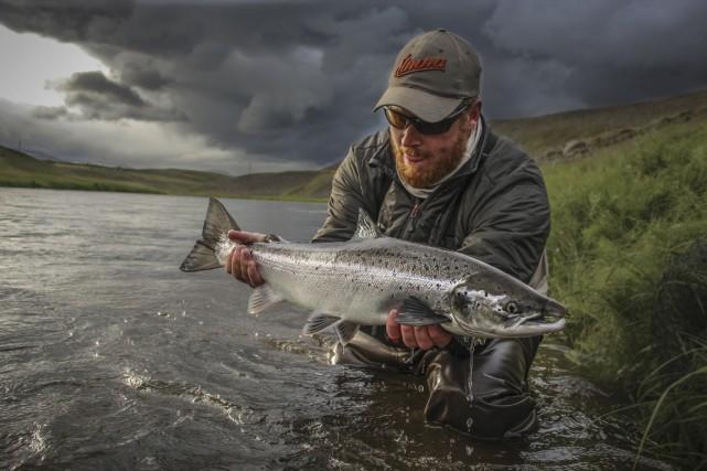 Un magnifique saumon du pourvoyeur Stjani Benediktsson avant... (Photo fournie par Stjani Benediktsson)