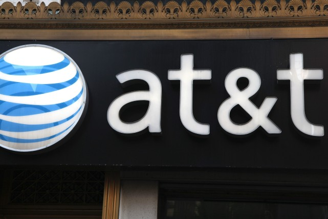 Le groupe de télécoms américain AT&T devrait être l'opérateur téléphonique... (Photo CX Matiash, AP)
