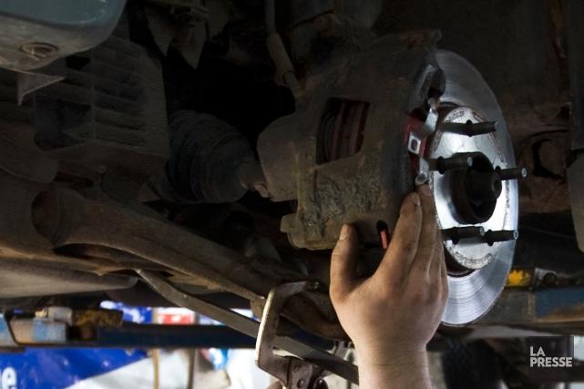 Un homme aveugle du Nouveau-Mexique a obtenu un diplôme en mécanique automobile... (Photo Robert Skinner, archives La Presse)