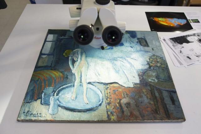 Un myst rieux portrait d couvert sous la chambre bleue de picasso arts - La chambre bleue picasso ...