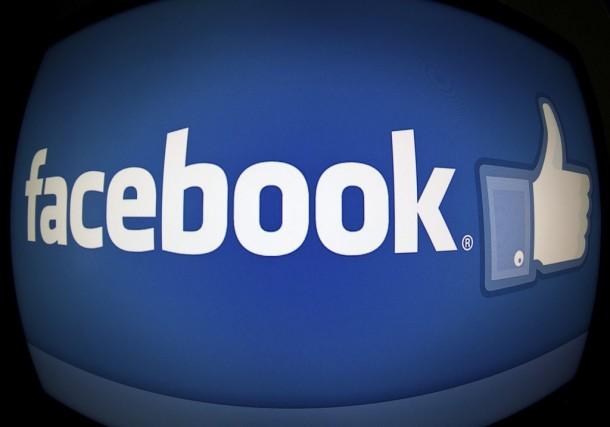 On lit souvent que les réseaux sociaux peuvent nous faire sentir malheureux,... (Photo: archives AFP)