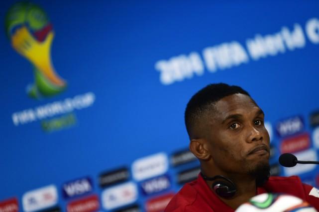 Samuel Eto'o en conférenec de presse mardi à... (Photo: AFP)