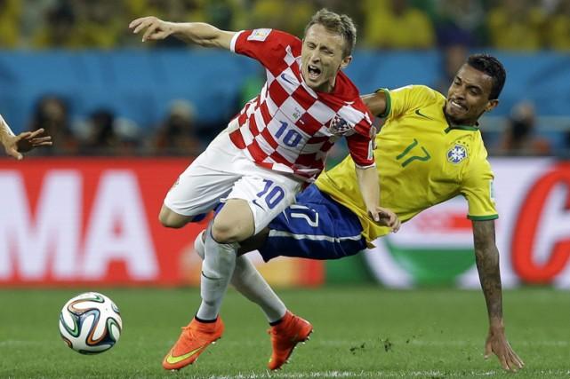 Luka Modric a été surveillé de près par... (Photo: AP)
