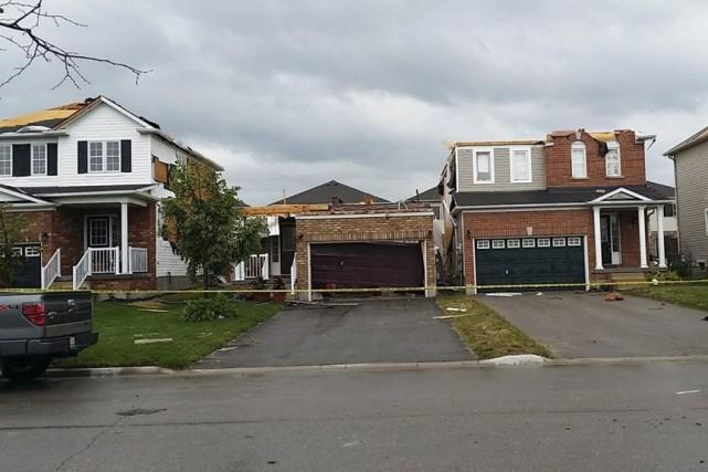 Des maisons ont subi des dégâts à Angus,... (Photo PC)