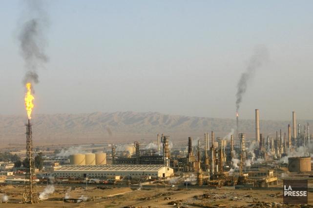 La raffinerie de Baïji fournit du pétrole à... (PHOTO THAIER AL-SUDANI, ARCHIVES REUTERS)