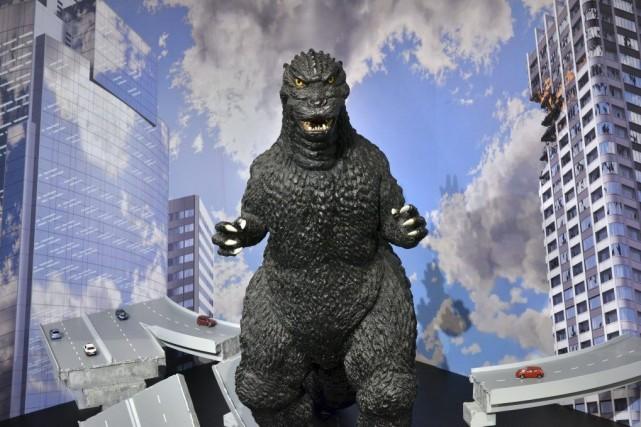 Une statue d'un mètre de haut de Godzilla... (PHOTO YOSHIKAZU TSUNO, AFP)