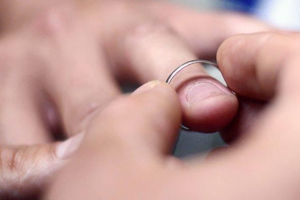 Le Luxembourg a autorisé mercredi le mariage et l'adoption pour les couples... (PHOTO KENZO TRIBOUILLARD, AFP)