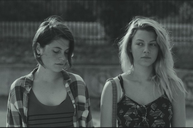Julianne Côté et Catherine St-Laurent dans Tu dors... (Photo: fournie par Films Séville)