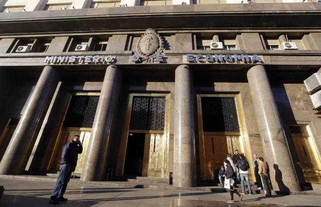 Un juge américain a ordonné vendredi à Buenos Aires de rembourser sa dette aux... (Photo Enrique Marcarian, Reuters)