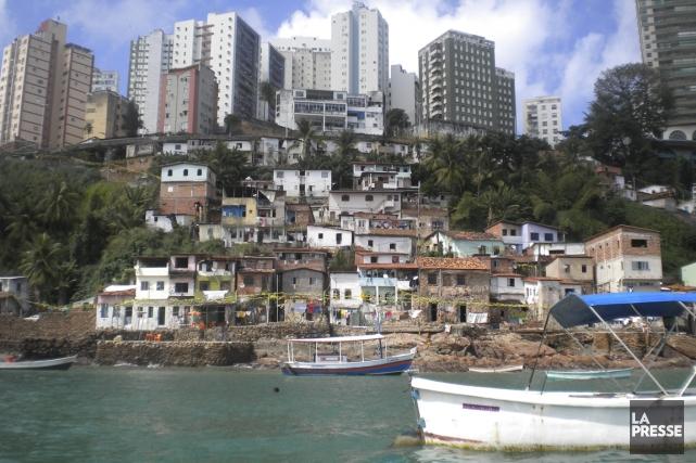 Vue, depuis la baie de Salvador, de la... (Photo Pascal Milano, La Presse)