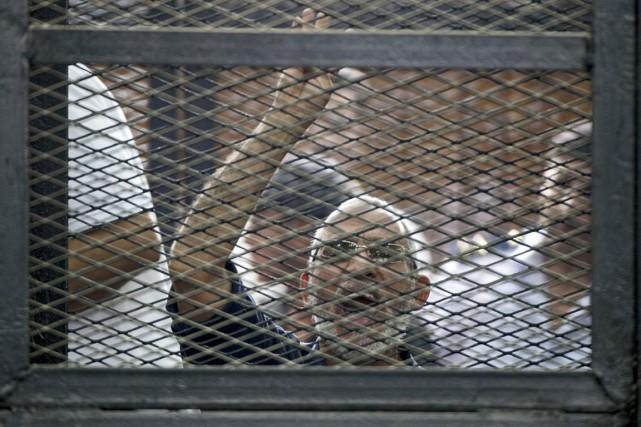 Mohamed Badie a été condamné fin avril avec... (PHOTO KHALED DESOUKI, ARCHIVES AFP)