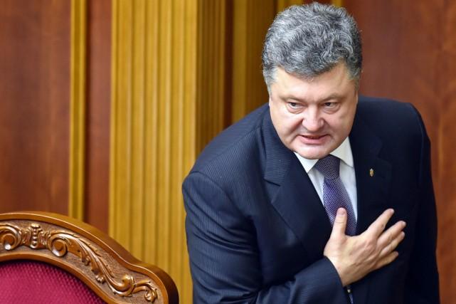Le président ukrainien Petro Porochenko.... (PHOTO SERGEI SUPINSKY, ARCHIVES AFP)