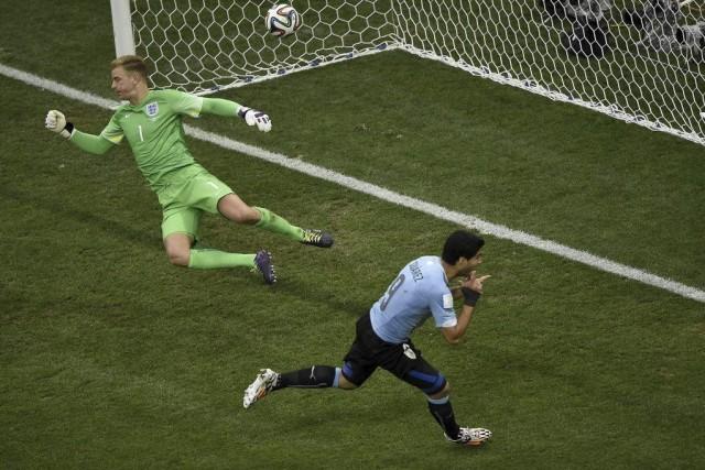 Un doublé de Suarez, qui faisait son entrée... (Photo AFP)