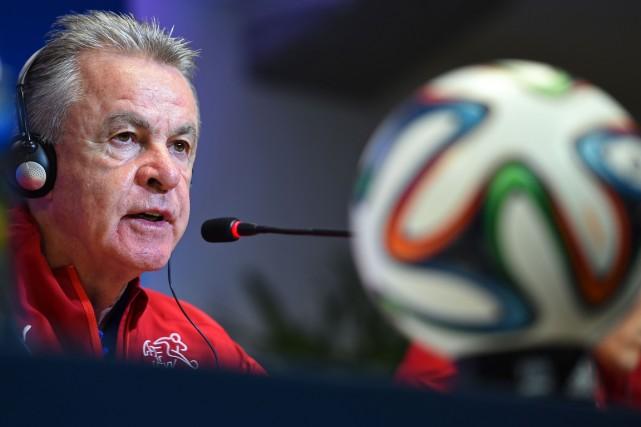 Le sélectionneur de la formation suisse, Ottmar Hitzfeld.... (Photo Anne-Christine Pojoulat, AFP)