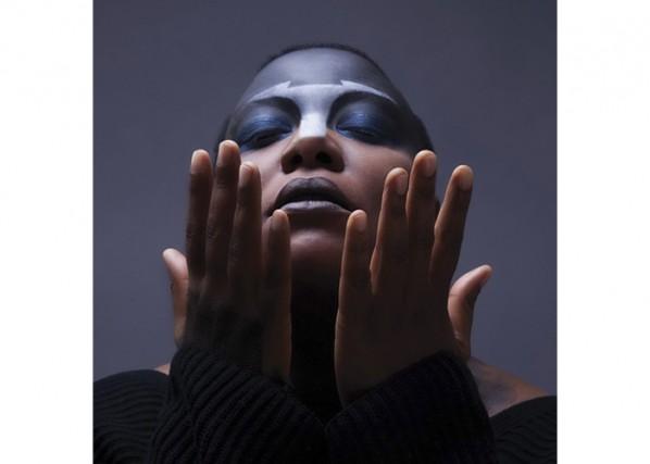 Onzième album de cette compositrice surdouée qui propose cette fois un album de...