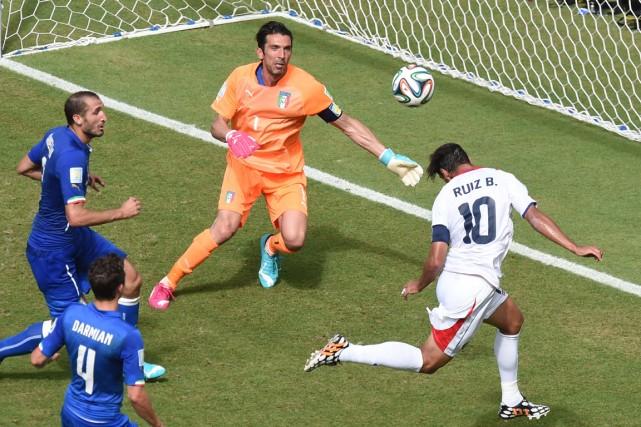 Le capitaine du Costa Rica Bryan Ruiz a... (Photo Javier Soriano, AFP)