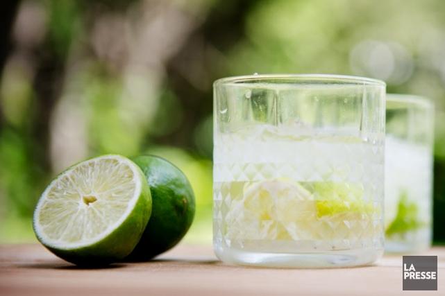 Qui dit cachaça, dit caïpirinha. Ce cocktail est la boisson fétiche des... (PHOTO MARCO CAMPANOZZI, LA PRESSE)