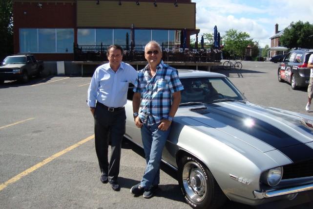 Jean-Luc Mongrain et Michel Barrette à Viens-tu faire... (Photo fournie par ICI Radio-Canada Télé)