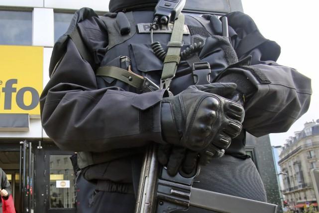 Le kevlar est utilisé pour les gilets pare-balle,... (Photo AP)