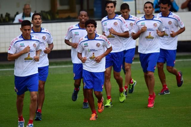 Les joueurs du Costa Rica à l'entraînement.... (PHOTO RONALDO SCHEMIDT, AFP)