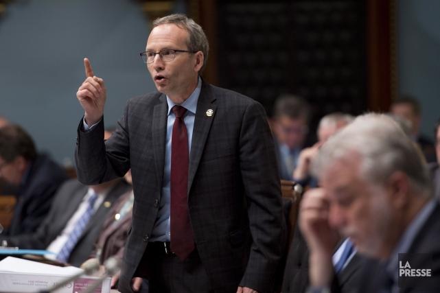 Jovialiste, le ministre Coiteux déclare que 3,8 millions... (Photo Jacques Boissinot, PC)
