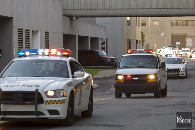 Arrivée des suspects au procès Écrevisse.... (La Presse Canadienne)