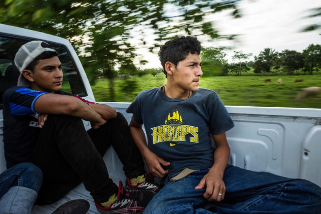 Deux adolescents du Honduras sont en route vers... (PHOTO MERIDITH KOHUT, ARCHIVES THE NEW YORK TIMES)
