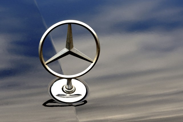 Ce n'est un secret pour personne, Mercedes-Benz dévoilera son AMG GT à... (PHOTO PHILIPPE HUGUEN, AGENCE FRANCE-PRESSE)