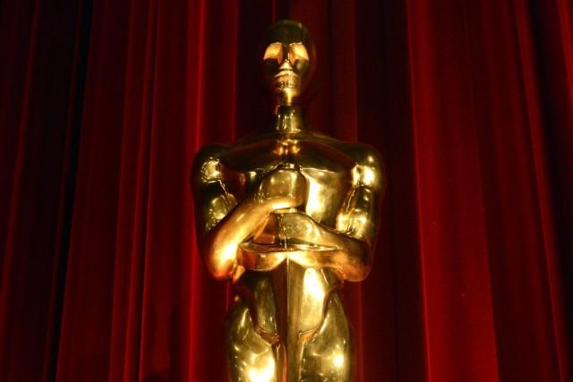 Un Oscar a été vendu aux enchères pour 79 200 $ US (84 990 $ CAN), soit bien... (PHOTO ARCHIVES REUTERS)