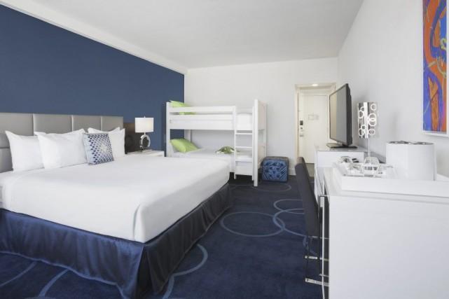Une chambre de l'hôtel B de Disney... (Photo fournie par B Resort & Spa)