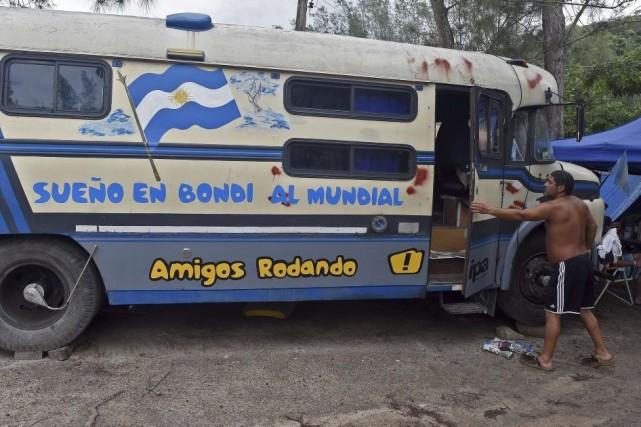 Un groupe de partisans argentins a parcouru quelque... (PHOTO VOISHMEL, AFP)