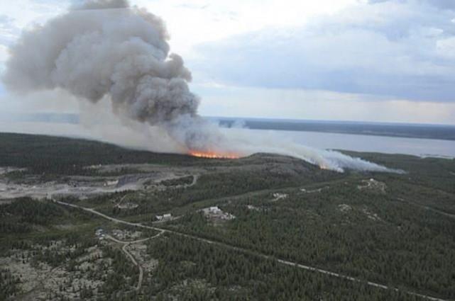 Un incendie près de Kuujjuaq.... (Photo fournie par la SOPFEU)