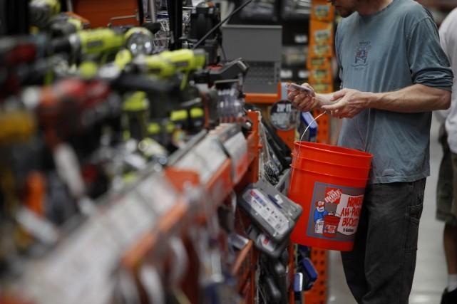 Les consommateurs américains sont plus confiants vis-à-vis de l'économie qu'ils... (Photo Patrick T. Fallon, archives Bloomberg)