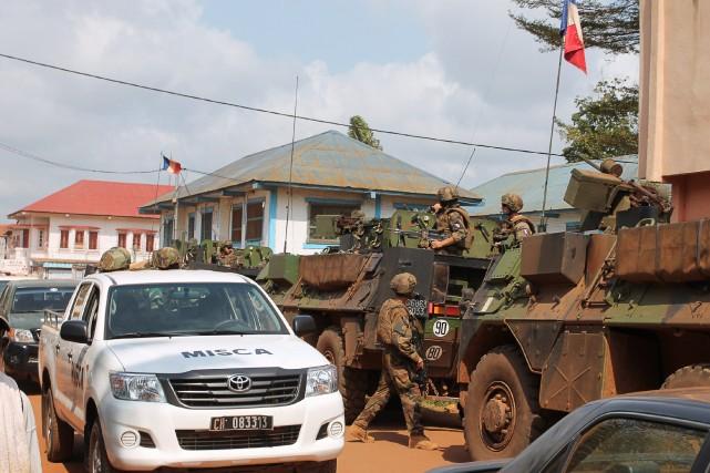 Quelque 5000 soldats de la Mission internationale de... (Photo Agence France-Presse)