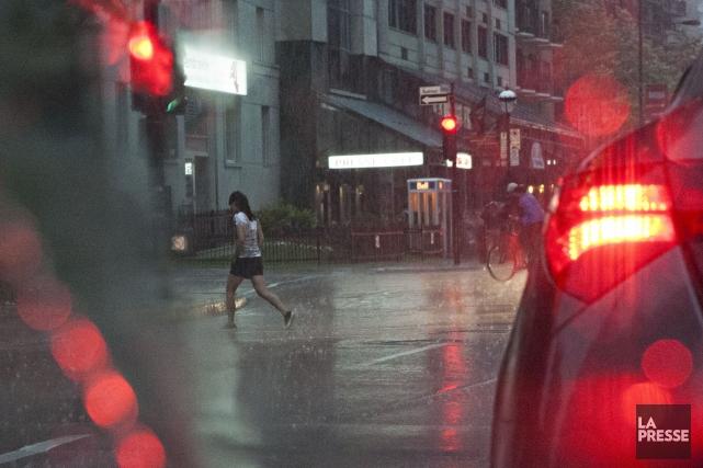Environnement Canada a confirmé, mardi soir, qu'une tornade de faible intensité... (Photo Anne Gauthier, Archives La Presse)