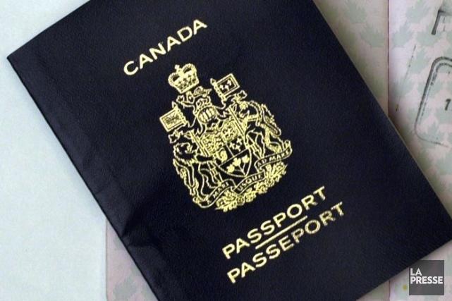 Une ancienne employée de Citoyenneté et Immigration Canada (CIC) a été accusé... (Photo archives La Presse)