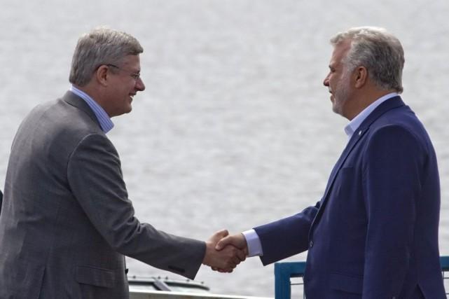Les premiers ministres du Canada Stephen Harperet du... (Photo Clément Allard, La Presse Canadienne)