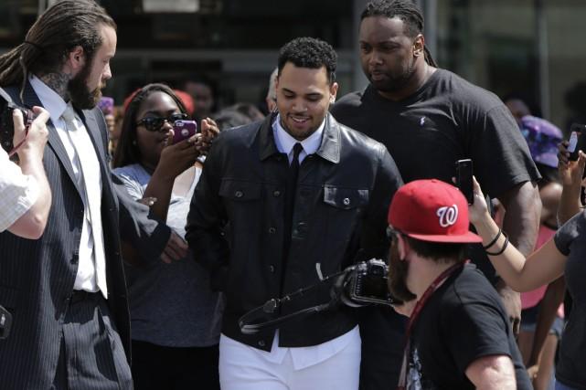 Chris Brown, au moment de se présenter en... (Photo Gary Cameron, Reuters)