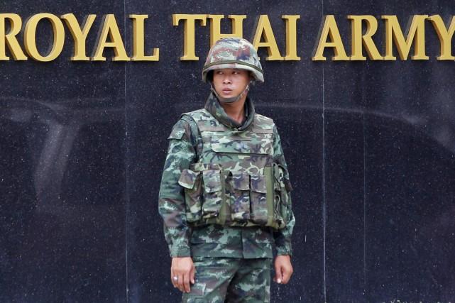 L'armée, qui a suspendu la Constitution et largement... (PHOTO CHAIWAT SUBPRASOM, ARCHIVES REUTERS)