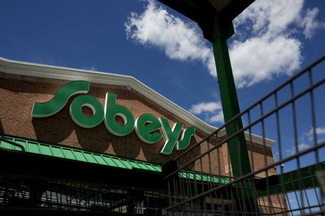 Empire fermera 50 Sobeys pour améliorer sa situation... (PHOTO ARCHIVES BLOOMBERG)