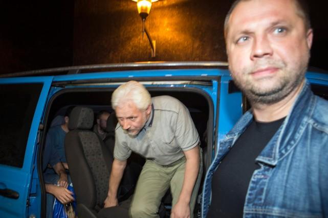 L'un des observateurs, non identifié, de l'OSCE libéré.... (Photo Shamil Zhumatov, Reuters)