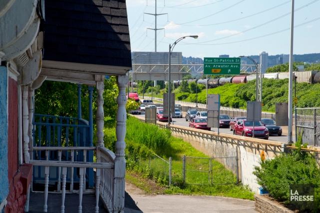 L'élargissement de l'autoroute15 entre le pont Champlain et... (PHOTO ALAIN ROBERGE, LA PRESSE)