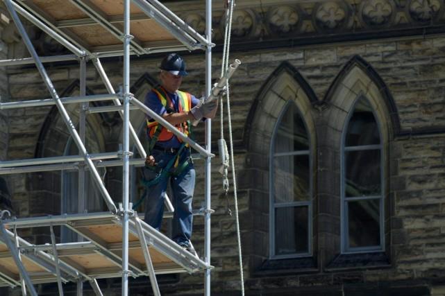 Le plus récent rapport des Travaux publics démontre... (Photo Adrian Wyld, PC)