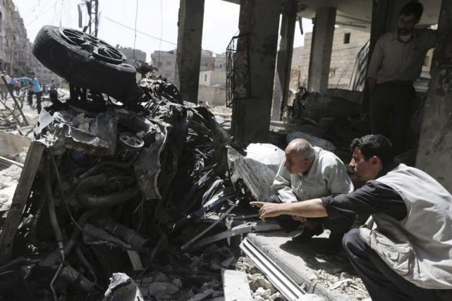 L'explosion dans le marché de Douma a tué... (Photo BASSAM KHABIEH, Reuters)