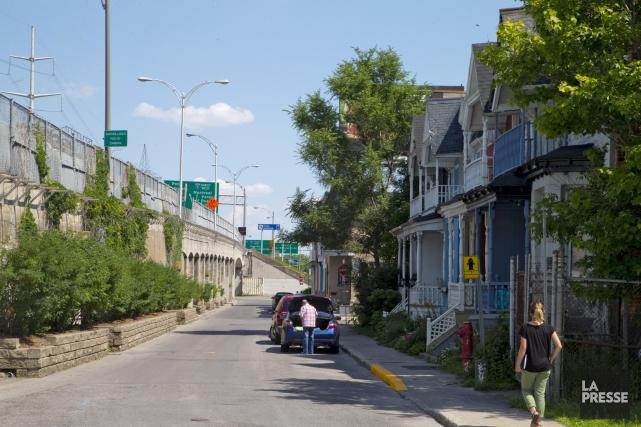 Vue de la rue May, où des propriétaires... (PHOTO ALAIN ROBERGE, LA PRESSE)