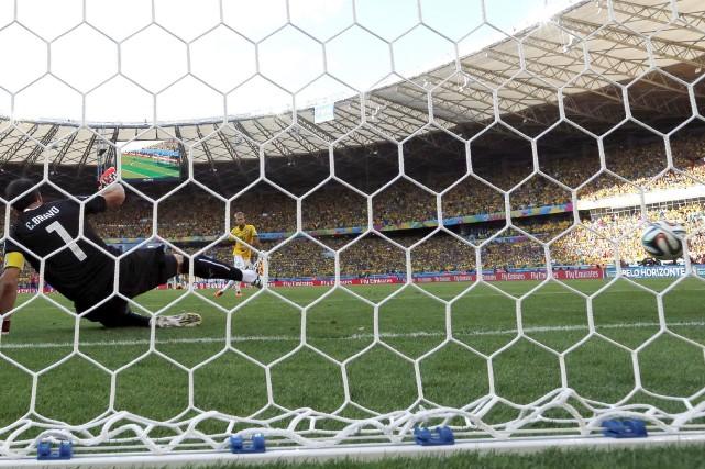 Le match Brésil-Chili, qui a vu l'hôte du Mondial-2014 se qualifier pour les... (Photo Manu Fernandez, AP)
